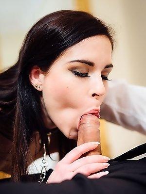 Amber Masturbates